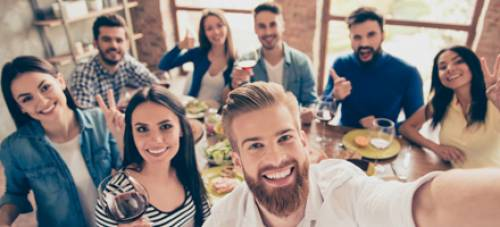 Évindító céges buli